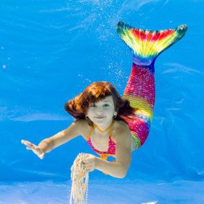 Mořské panny focení pod vodou